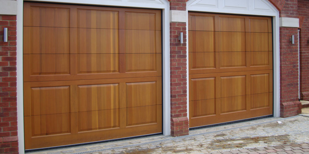 Sectional garage doors surrey based installers wessex for Garage doors uk